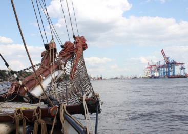 Hamburger Hafengeburtstag: Tages- und Abendfahrten